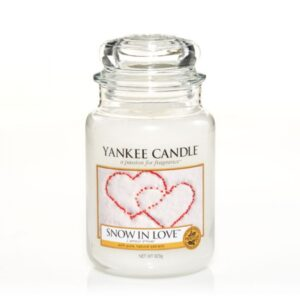 snow-in-love-giara-grande-yankee-candle