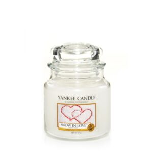 snow-in-love-giara-media-yankee-candle